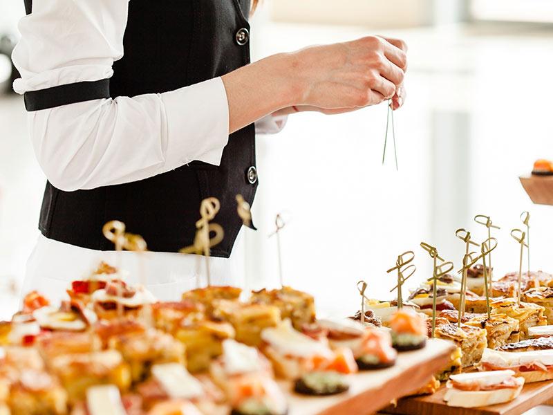 des-soirees-de-gala-avec-buffet-de-traiteur